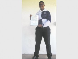 Phelelisa Mhlungu is Mathunjwe High School's top Maths student.