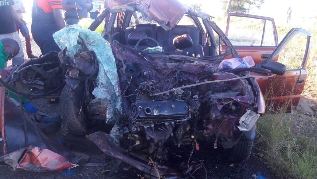 Two dead, three hurt in head-on crash on the Frere Road - Estcourt