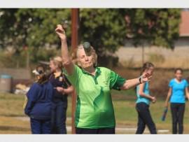 Christine Kloppers van Tarentale Jukskeiklub op Mokopane in aksie Saterdag.