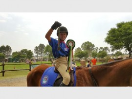 Celine de Bruyn van Laerskool pietersburg-Oos ry op Miss Wings tydens die SANESA National Championship en behaal 'n derde plek in die 70cm Accumulator en 'n agtste plek in die 70cm Ideal time. Sy het vir die Limpopo Span gery.
