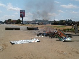 On Wednesday morning angry residents blocked the roads in the Mankweng area, there are protesting about the water situation says Limpopo police. Photos: Limpopo police