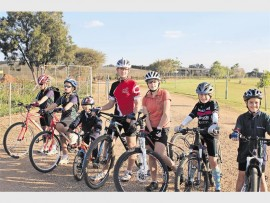 Fietsryers van plaaslike skole is slaggereed om die nuwe fietsrybaan van Akademie Reformia in te wy.