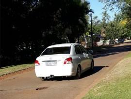 Dié voertuig word na bewering deur die verdagte persone gebruik. Volgens die Lephalale GPF is dit 'n vervalsde nommerplaat. Foto: Verskaf