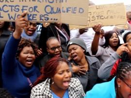[WATCH] Disgruntled social workers say enough is enough