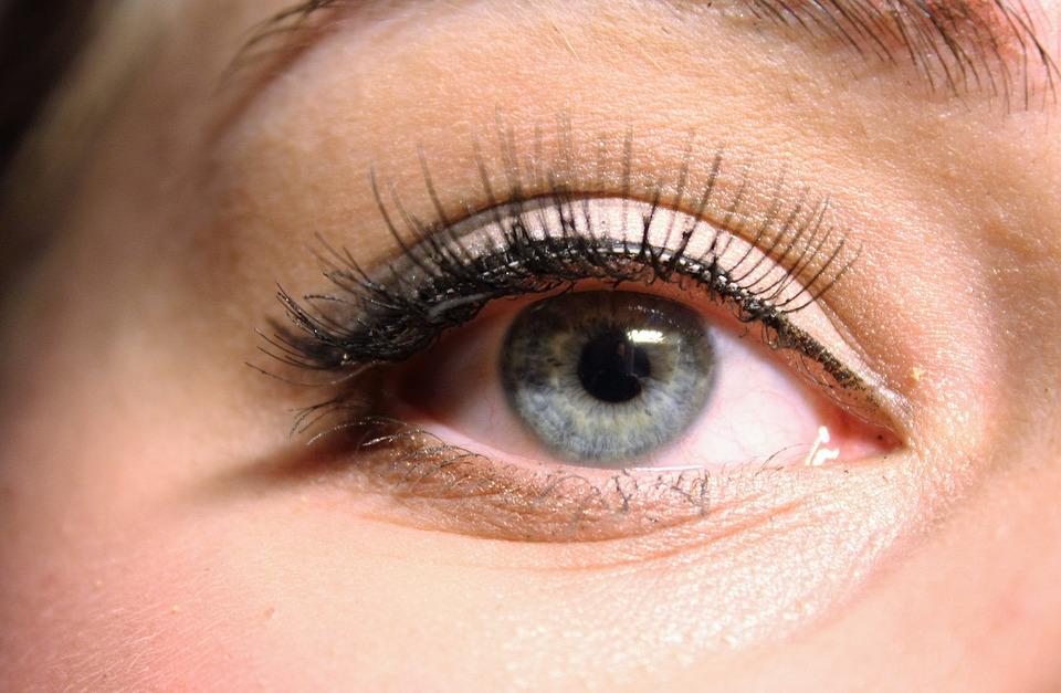 The Lowdown On False Eyelashes Review