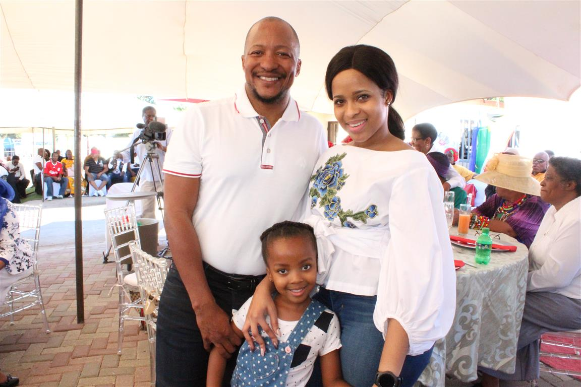 IN PICTURES] Sarel Nong returns home to a welcome set for an