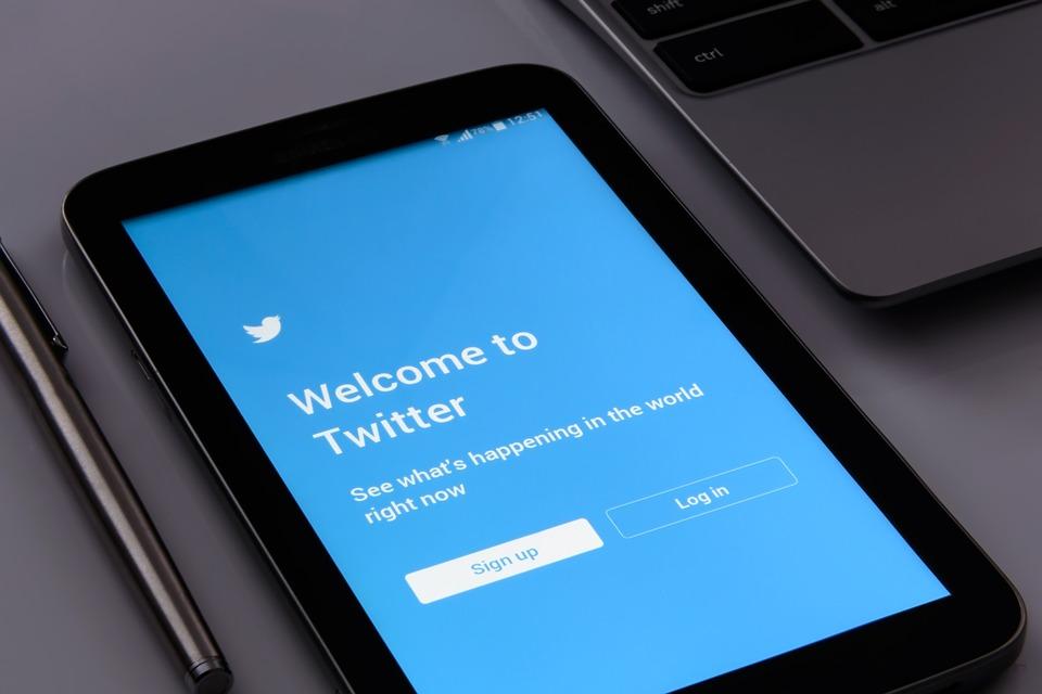 Divya Dutta loses 'thousands' of Twitter followers
