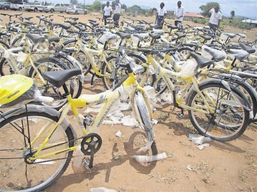 Tlakulani High School in the Greater Giyani area receives 100 bicycles from the Department of Transport recently to assist learners who have to walk great distances to school.