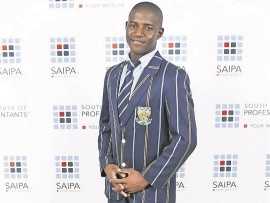 2016 National Accounting Olympiad R25 000 bursary winner, Rhulani Ndlala, from Merensky High School in Tzaneen.