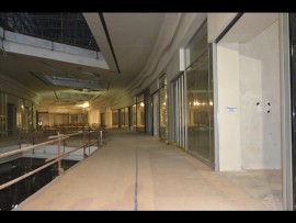 The construction process in the interior of the mall.