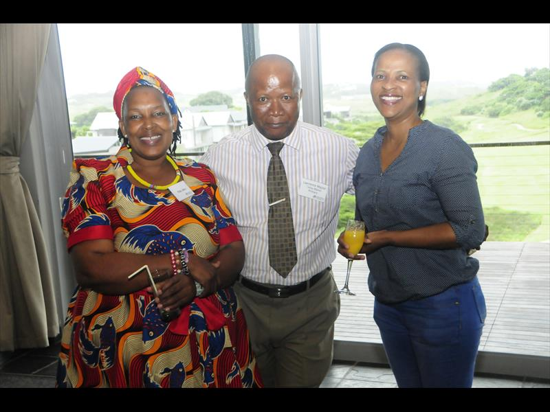 Rita Khuzwayo (left) and Mantombe Mpungose (right) who were instrumental in connecting Partners to POssibility with the school principals and principal Lawrence Majozi from Tinley Manor Primary.