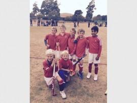 U9 mini hockey boys from Old Edwardians do well in their hockey season.