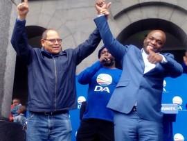 John Moodey and Solly Msimanga giving thumbs up.
