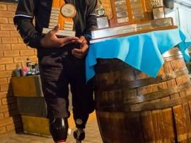 Ntando Mahlangu, 'n junior T42 (amputasie, bo-knieg) atleet was die ster op die Gauteng-Noord Sportvereeniging vir Gestremdes se onlangse prysuitdelingsgeleentheid.