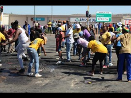 Residents of Ward 67 protest.
