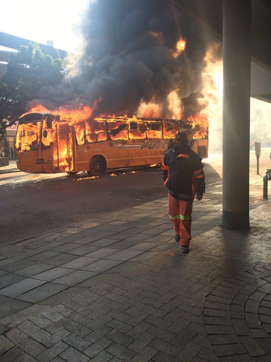 Putco Bus Burning On Stanza Bopape And Hamilton Streets In Pretoria Photos Er24