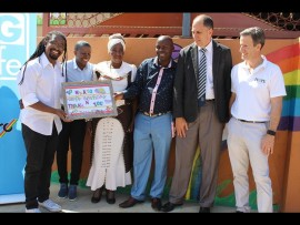 Corporate manager of Makro, Lesego Moagi, Mpho Maleka, Patricia Mashego founder of Tswelopele Day Care Centre, Silas Nkadimeng, Dr Hennie Rheeders and Dr. Marc Aguirre.