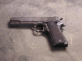 gun_3176629_44937