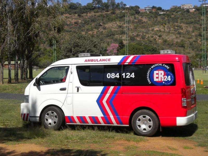 ER24-ambulanceMediu_77499251