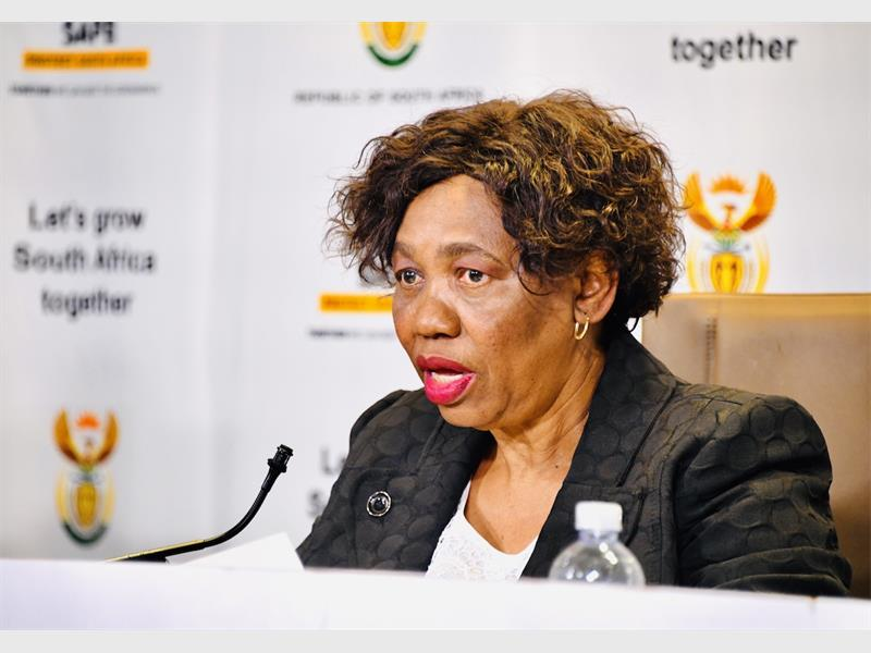 Cabinet to decide on closure of schools – Motshekga - Rekord East