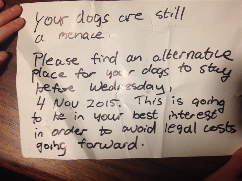 Die dreig-brief wat Swanepoel ontvang het. Foto: Chanrese Swanepoel.