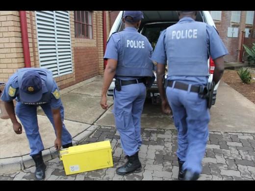 Man arrested for stealing batteries   Centurion Rekord