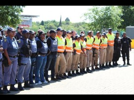 The Wierdabrug police meets crime-fighting partners at the Mall at Reds to plan a crime prevention strategy for the approaching festive season.
