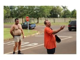 Brian Clarke nadat hy Jaco Slabbert (regs) verskeie kere geskop en geslaan het. FOTO: Yaseen Gaffar (Middelburg Observer)