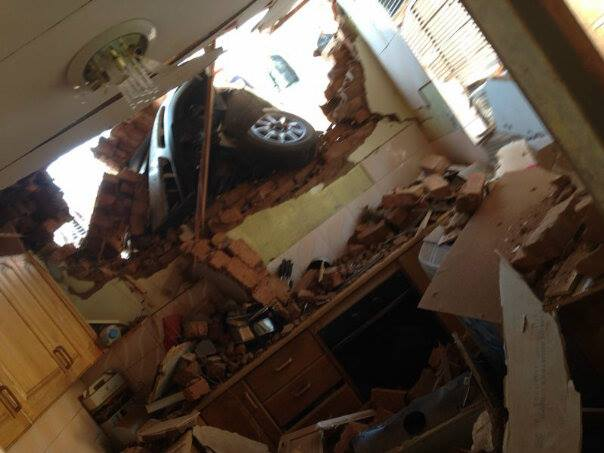 Flying Car Crashes Into A House In Atteridgeville Rekord