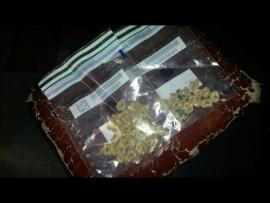 Heroïne ter waarde van ongeveer R1 600 is by verdagte handelaars afgeneem. Foto: Verskaf