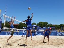 Flying-Fish-Volleyball1