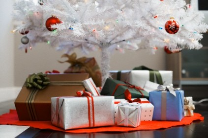 why we give gifts on christmas - Why Do We Give Gifts At Christmas
