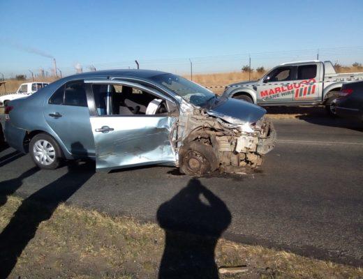 Two people seriously injured in car crash near Sasol | Ridge Times